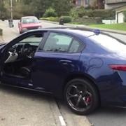 Alfa Romeo Giulia QV utknęła na podjeździe