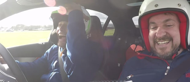 Chris Harris odpowiedział na pytania driftując