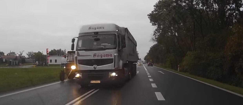 Ciężarówką na czołówkę