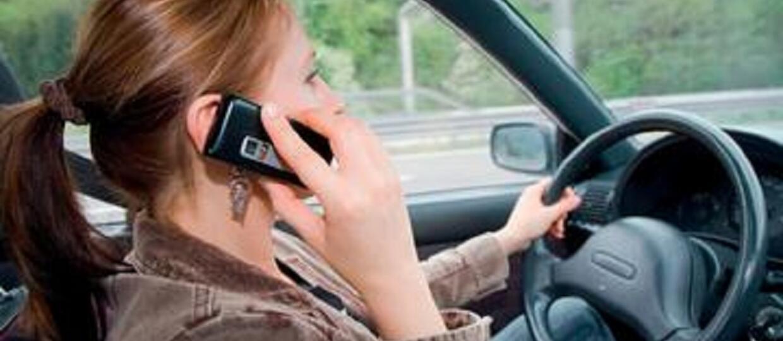 Co kierowcy robią w samochodach?