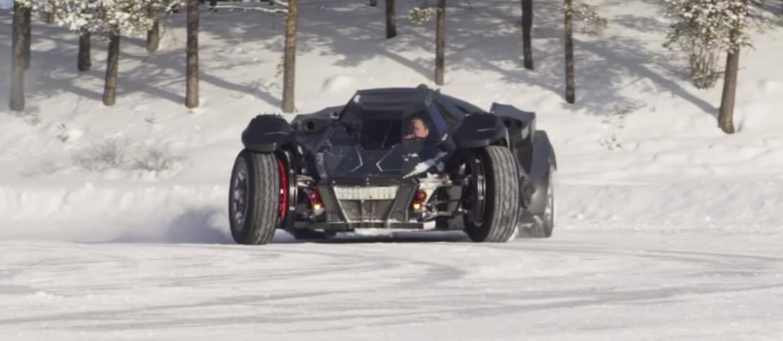 Czy Batmobilem da się driftować?