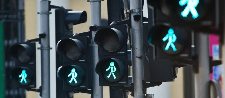 Czy wyświetlacze czasu przy sygnalizatorach świetlnych to dobry pomysł?