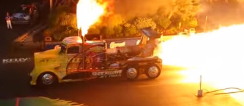 Jak wygląda start ciężarówki z silnikiem odrzutowym?