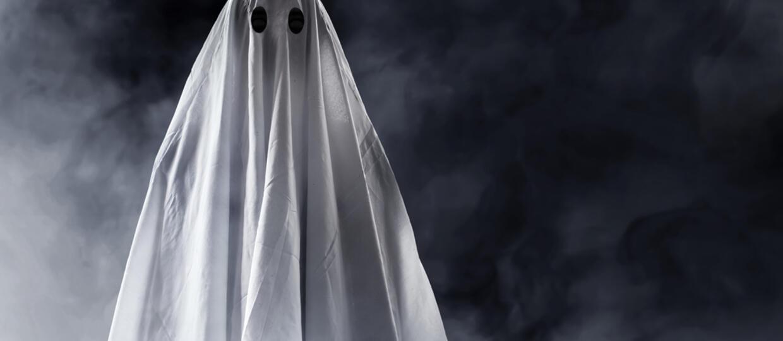 Kobieta, która uprawiała seks z 20 duchami, nareszcie się ożeniła. Oczywiście z duchem