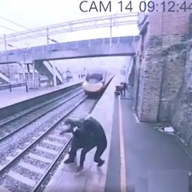 Kobieta uratowała mężczyznę, który chciał rzucić się pod pociąg. To nagranie porusza i przeraża jednocześnie