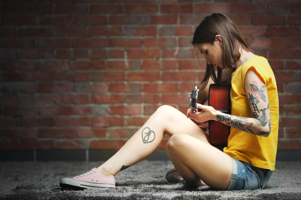 Małe Tatuaże Dla Fanów Muzyki Popularne Wzory Tatuażu Na