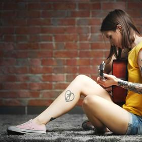 Małe tatuaże dla fanów muzyki