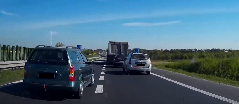 """Metoda """"jazdy na suwak"""" mało znana na polskich drogach"""