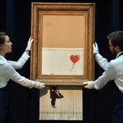 Banksy zniszczony obraz Dziewczynka z balonikiem
