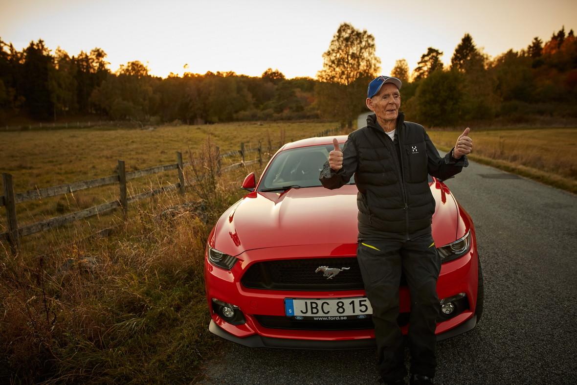 Najstarszy właściciel nowego Mustanga