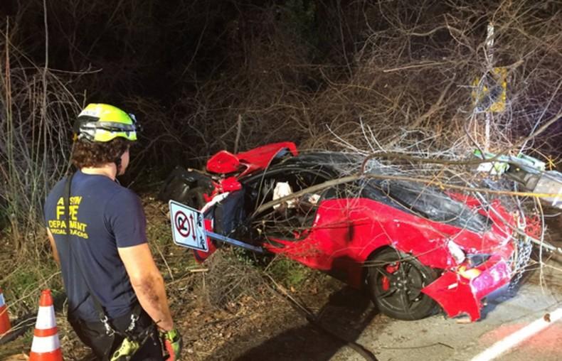 ferrari-458-speciale-crash-ravine-texas-2