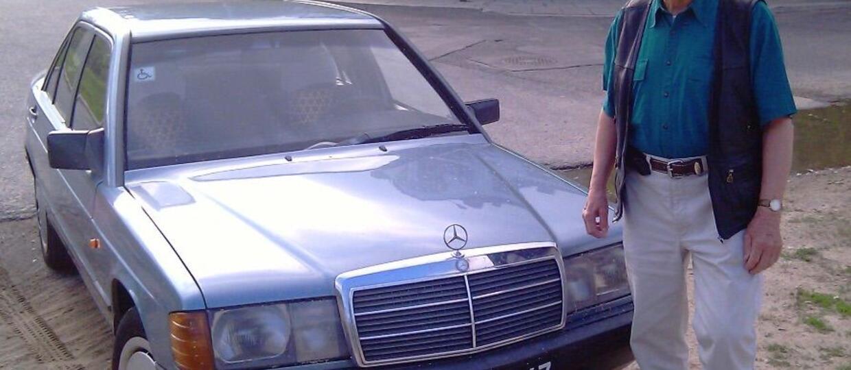 Polak sprzedaje Mercedesa, którym jeździł ponad 30 lat