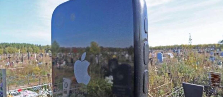 Rosjanin stworzył nagrobek w kształcie iPhone'a dla zmarłej córki