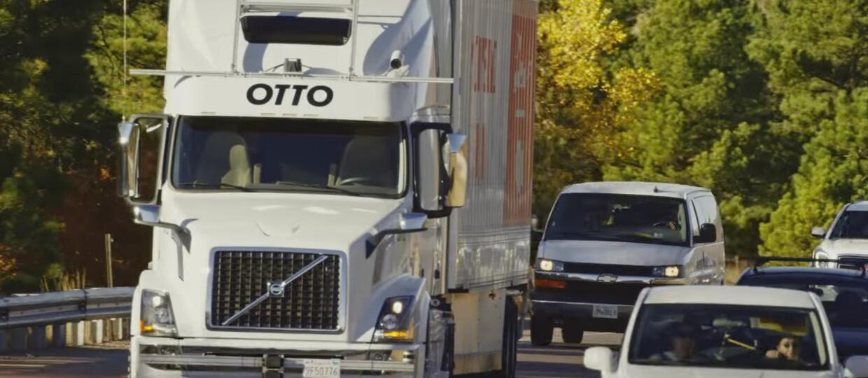 Samojezdna ciężarówka Ubera rozwozi piwo...