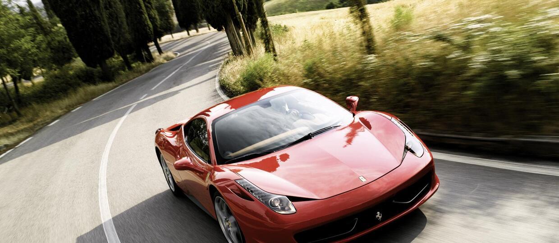 Uszkodził Ferrari na dziurze. Pozwał radę miasta i wygrał