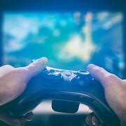 """12-latek zgwałcił 6-letnią siostrę, ponieważ """"chciał odtworzyć scenę z gry i filmów porno"""""""
