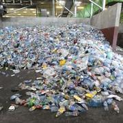 Benzyna z plastikowych reklamówek? Genialny pomysł Polaków