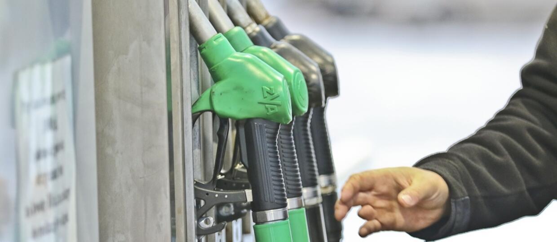 Ceny paliw wzrosną o 20 groszy na litrze? Pomysł PiS budzi kontrowersje
