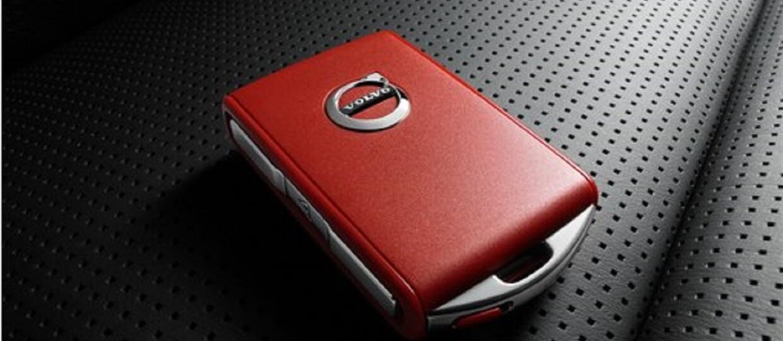 Czerwony kluczyk Volvo z ograniczeniami dla kierowców