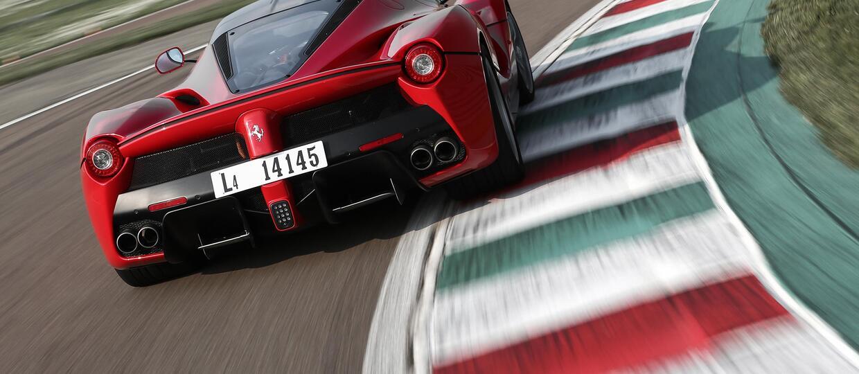 Dealerzy Ferrari cofali liczniki i sprzedawali auta jako nowe