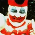 "Foto: kadr z wideo ""John Wayne Gacy (The Serial Killer Clown)"