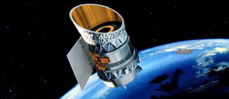 Dwie satelity zderzenie