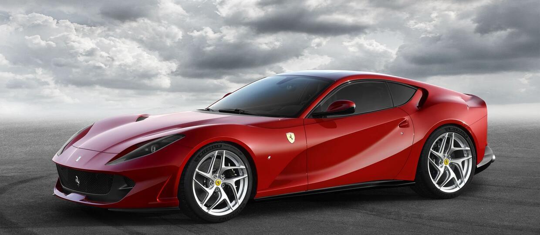 Ferrari pokazało następcę F12 – 812 Superfast