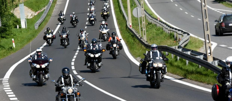 Ford chce wprowadzić system wykrywania motocykli jadących pomiędzy samochodami