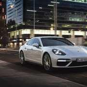 Porsche-SEHybrid-Panamera-1