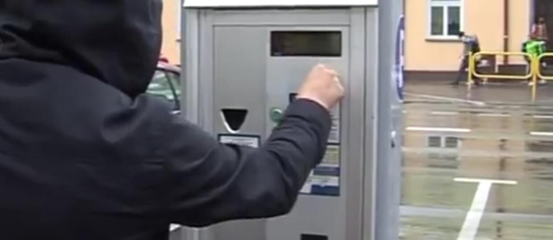 Koniec z opłatami w strefach płatnego parkowania w weekendy