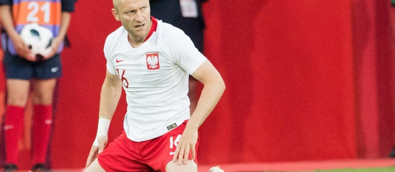 Ukradła ponad 200 saszetek kart i naklejek z polskimi piłkarzami. Grozi jej 5 lat więzienia