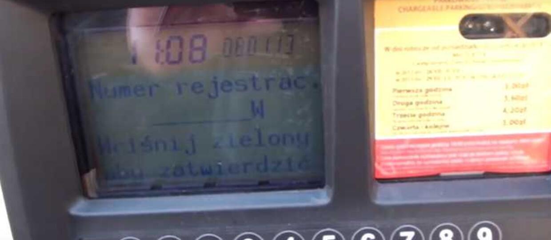 Parkomaty w Warszawie działają nielegalnie