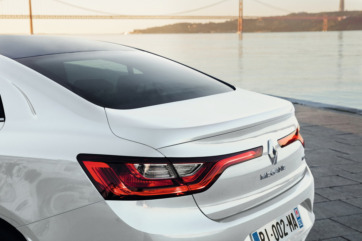 Renault Megane sedan – uzupełnienie gamy