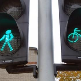 Sąd Rejonowy w Warszawie: Rowerzyści nie mogą jeździć po ulicy, gdy obok jest ścieżka rowerowa