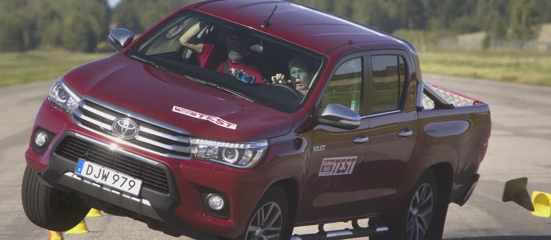 Toyota Hilux – jedyny pickup, który oblał test łosia