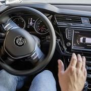 VW świętuje 10-lecie asystenta parkowania