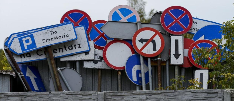 Quiz: Czy rozpoznasz, które znaki drogowe obowiązują w Polsce?