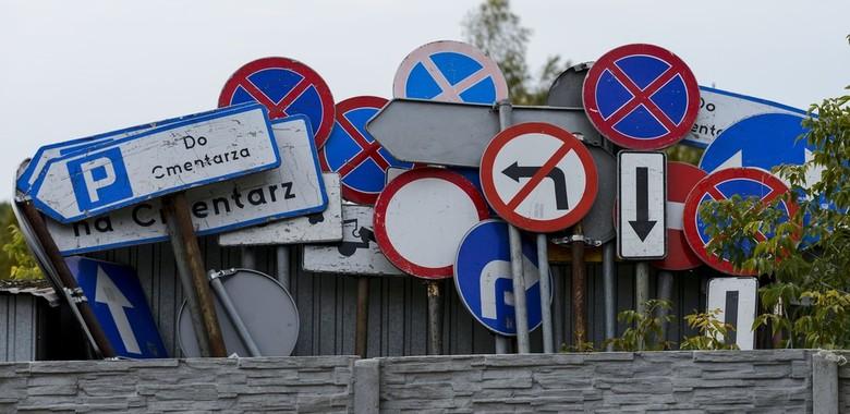 Quiz: Sprawdź czy rozpoznasz, które znaki drogowe obowiązują w Polsce?