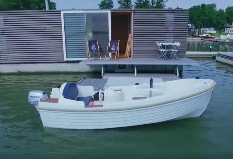 Houseboat czyli domki na wodzie