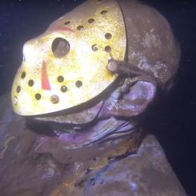 Artysta umieścił figurę Jasona na dnie jeziora. Teraz planuje dodać Freddy'ego