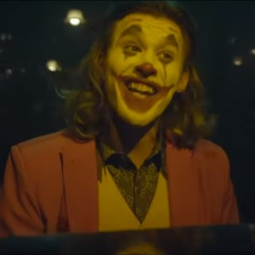 "Foto: kadr z wideo ""Joker- ""BAT WORLD"" (Mad World Parody)"""
