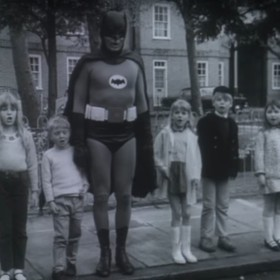 Adam West jako Batman