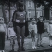 Adam West jako Batman