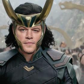 "Cameo w filmie ""Thor: Ragnarok"". Kogo zagrali Matt Damon, Sam Neill i Luke Hemsworth?"