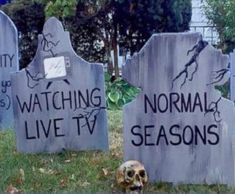 Cmentarz popkultury 2017 roku jako oryginalna dekoracja na Halloween