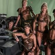 """Co Amazonki z """"Ligi Sprawiedliwości"""" sądzą o kusych kostiumach?"""