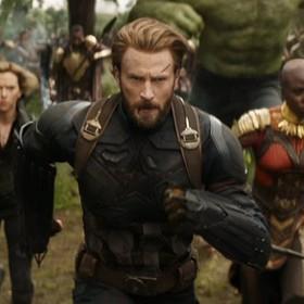 """Co Steve Rogers robił między """"Civil War"""", a """"Infinity War""""? Walczył z ISIS!"""