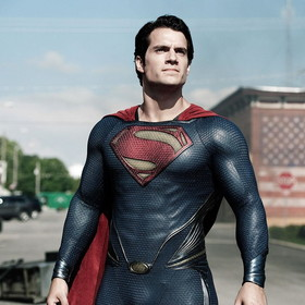 """Czy Henry Cavill wróci do roli Supermana? Co z filmem """"Człowiek ze stali 2""""?"""
