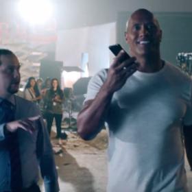 Dwayne The Rock Johnson w reklamie Siri