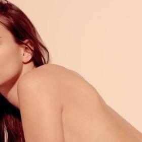 Emily Ratajkowski nie dostaje roli z powodu… dużych piersi